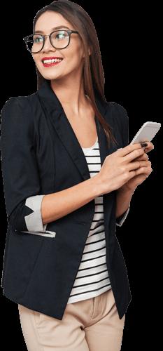 Geschäftsfrau mit Handy in der Hand